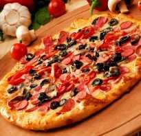 Индигриенты для пиццы с колбасой и сыром