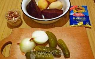 Свекла с соленым огурцом. Салат из свеклы и соленых огурцов. Вкусный салат с вареной свеклой, сыром и грецкими орехами