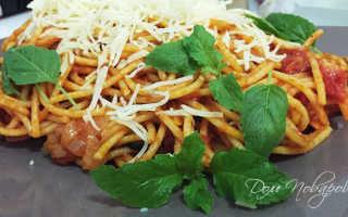 Итальянская паста с помидорами и сыром