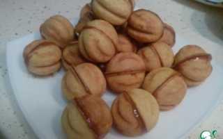 Как испечь орешки в формочке со сгущенкой
