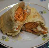 Запеченная семга в лаваше с сырным соусом