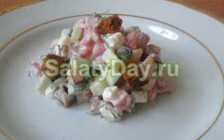 Салаты с помидорами и сыром