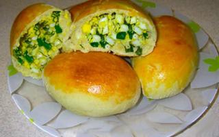 Как испечь пирожки с яйцом и луком
