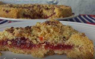 Пирог с крошкой из муки. Простой пирог с вишней из песочного теста с сахарной крошкой. Плотная посыпка для булочек