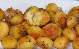 Как в духовке запечь картошку с хрустящей корочкой
