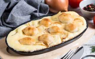 Запеченные пельмени с сыром и майонезом